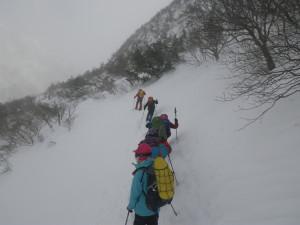 安達太良山頂は諦めゆっくりと下山します
