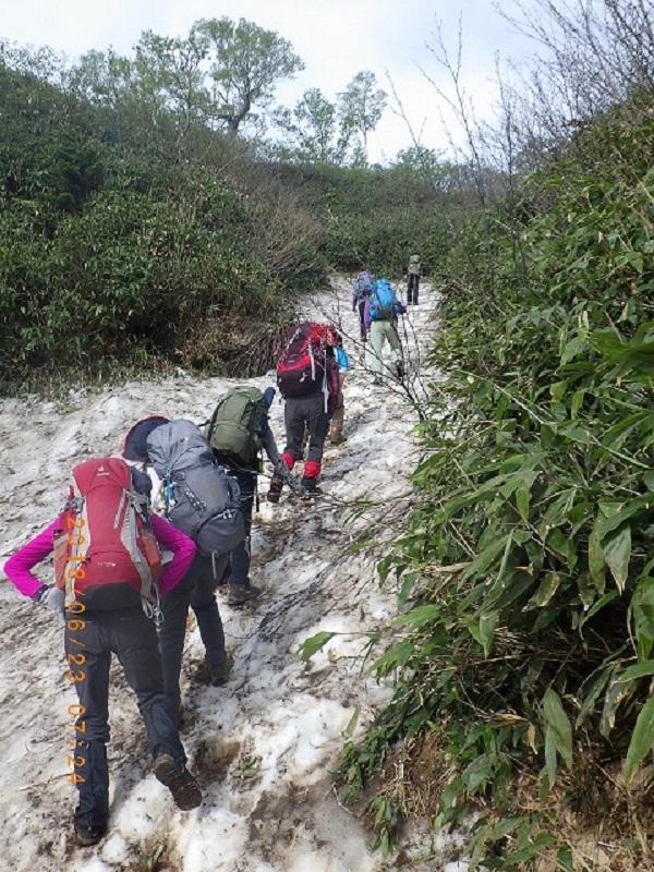 8合目付近の雪渓